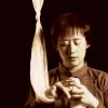 Wynee Hu as Mei Mei considering suicide.