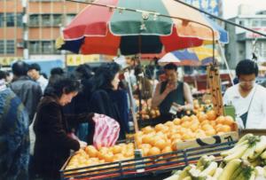 Street-fruitlady2-med